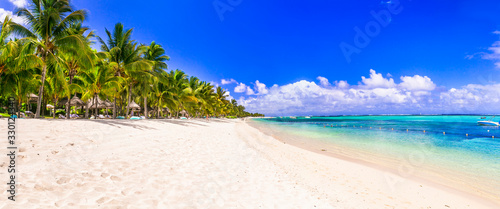 Obraz Best tropical beach destination - paradise island Mauritius, Le Morne beach - fototapety do salonu