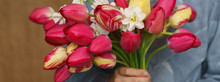 Bouquet Of Pink Tulips And Whi...