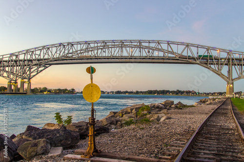 Valokuva International Blue Water Bridge Crossing Between Port Huron, Michigan, USA And Sarnia, Ontario, Canada