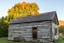 Historic Log Cabin. Pioneer Se...