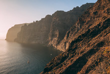 Los Gigantes - One Of The Icon...
