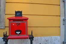 Cassetta Posta Rossa