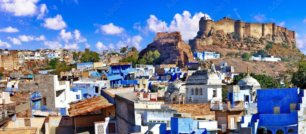 Fototapeta Travel and landmarks of India. beautiful blue city of Rajastan - Jodhpur. view with Mehrangarh fort