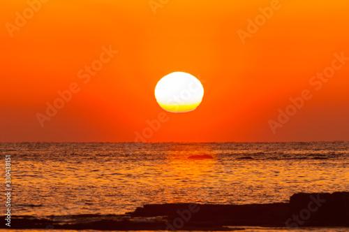 Obraz 紀州白浜の夕陽 - fototapety do salonu