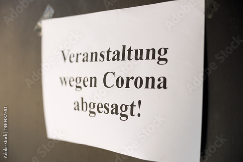Obraz Symbolbild Veranstaltung wegen Corona abgesagt - fototapety do salonu