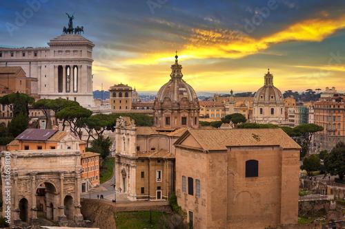 Obraz na płótnie Architecture of the Roman Forum in Romeat sunest, Italy