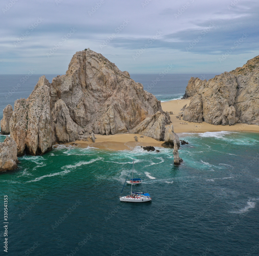 Fototapeta A 4k high definition aerial of Cabo San Lucas
