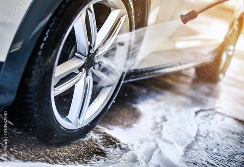 Fototapeta Car wheel wash