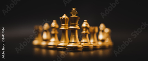 Obraz Business leader concept. Chess board game strategy planning and competition - fototapety do salonu