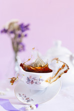 Flying Black Tea And Levitatin...