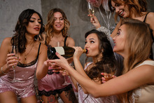 Beautiful Women And Bride In S...