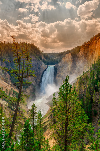cascate yellowstone national park - 330956393