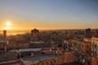 tramonto sulla città medievale