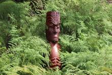 Sculpture Totem Maorie