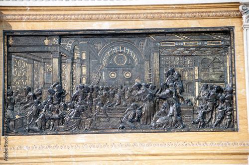 Photo The Altar of Sant'Antonio – Donatello - Basilica of Saint Anthony of Padua, Ital