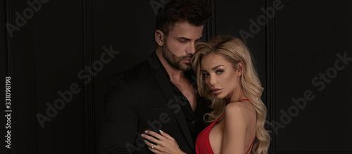 Obraz na płótnie Sensual couple posing together