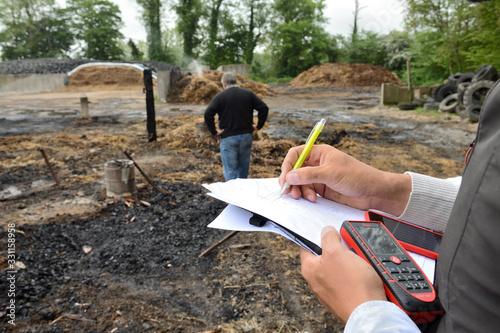 Incendie accidentel dans une bergerie, constatations expert assuranceen présence Canvas Print