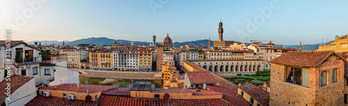 Florence cityscape on Ponte Vecchio, the Vasari corridor, Cathedral of Santa Mar Wallpaper Mural