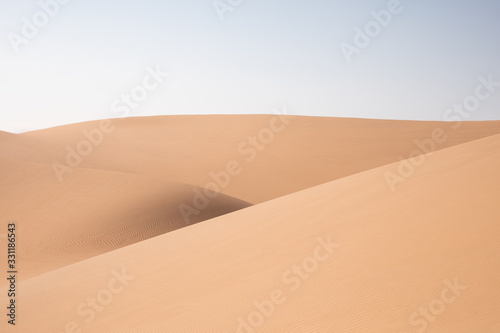 Photo Abstract landscape with desert dunes on a sunny day