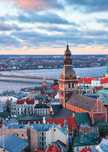 Obraz na plátně Riga Old Town Dome Cathedral Daugava River sunset