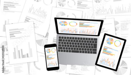 Fotografiet グラフ資料をモニターに表示したデスクトップ・ノートパソコン・スマホ・タブレットセット白黒資料背景