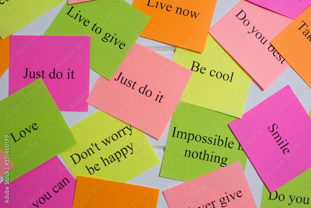 Motivational words on colorful stickers on white background. A vision Board. Cards with words. Affirmation, development, training, seminar. Plan, strategy, to-do list, concept. Creativity, project, ar <span>plik: #331460199 | autor: NataliSam</span>