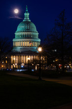 Moon Setting Over The Capitol ...