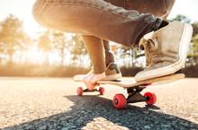 Skateboarding Practice Freesty...