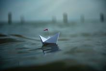 Freiheit - Kleines Papierschif...