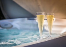Spa Et Jacuzzi Avec Champagne