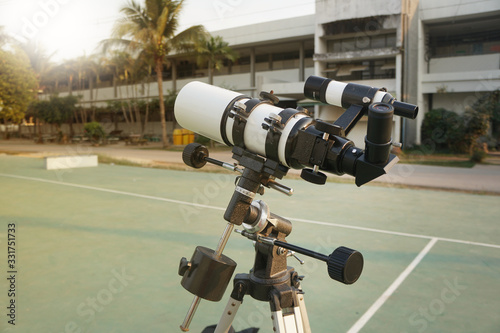 Fototapeta A refracting telescope or refractor is a type of optical telescope that uses a lens as its objective to form an image obraz