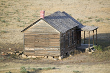 Pioneers Cabin Near Hot Spring...