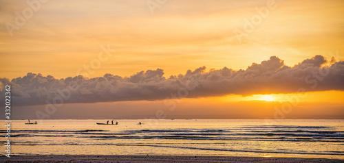 Photo Strand, Sonnenaufgang, Boote, Katamaran, Südsee,