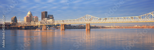 Obraz Panoramic view of the Ohio River and Louisville skyline, KY shot from Indiana - fototapety do salonu