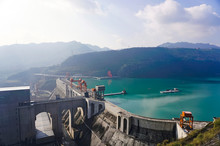 The Spectacular Jinsha River D...