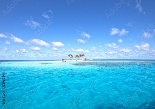 Photo Picture perfect tropical island off the coast of belize