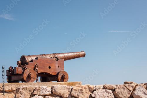 Photo vieux canon de défense des ports