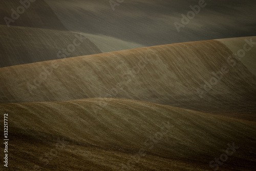 Photo Beautiful harsh landscape of plowed Moravian fields in the autumn season