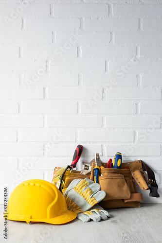 Cuadros en Lienzo construction worker helmet with tools