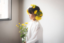 花飾りの少女