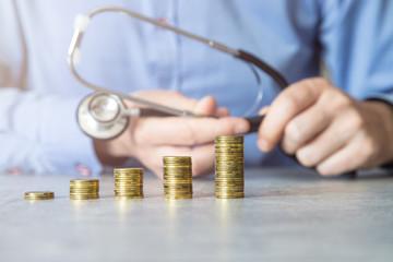 Gotówka, wzrost wydatków, zdrowie