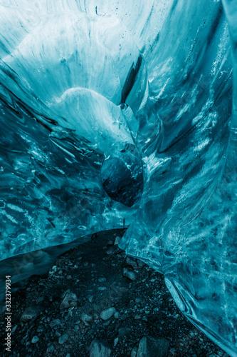 Fototapeta Into the blue ice cave Iceland