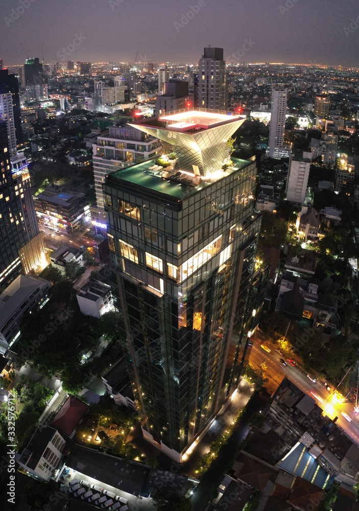 Fototapeta Bangkok Aerial view, above Sukhumvit and Thonglor district in Thailand - obraz na płótnie