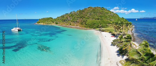 Obraz Caribbean Grenadines Mayreau tropical island beach, panoramic aerial view of Salt Whistle Bay - fototapety do salonu