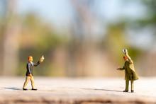 Miniature People Greeting To K...