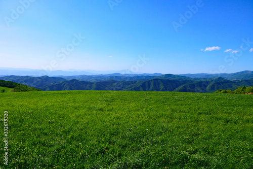 Fotografie, Obraz 初夏の寺沢高原より岩手山を望む。遠野、岩手、日本。5月下旬。