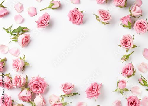 Obraz na płótnie Rose flowers on white background with copy space for design, text