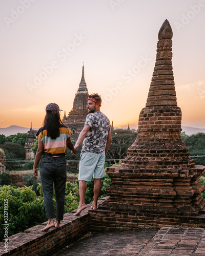 Myanmar, couple sunrise Bagan, men woman sunset Bagan фототапет