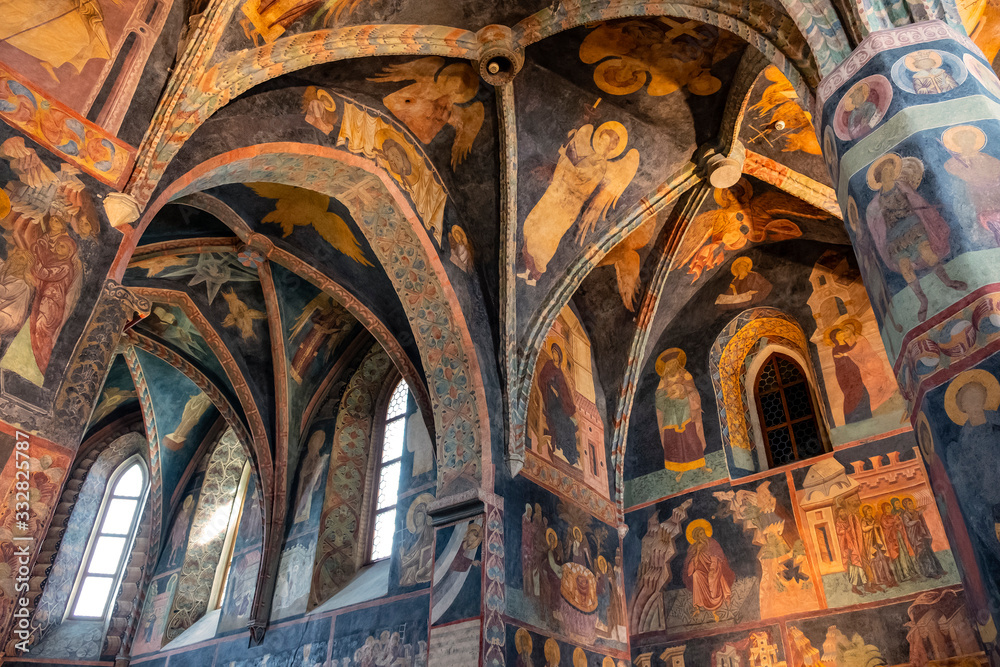 Fototapeta Lublin, Poland - Medieval frescoes and architecture inside the Holy Trinity Chapel within Lublin Castle royal fortress in historic old town quarter