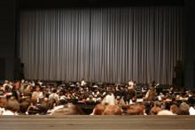 開演前の劇場の風景